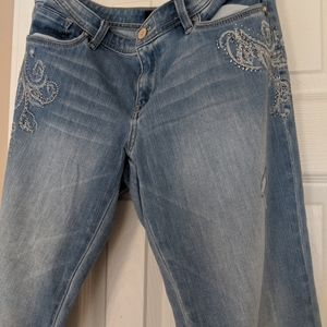 WHBM sz 8 girlfriend jeans